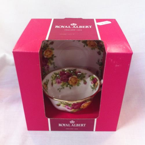 Royal Albert taza té con plato Old Country Roses